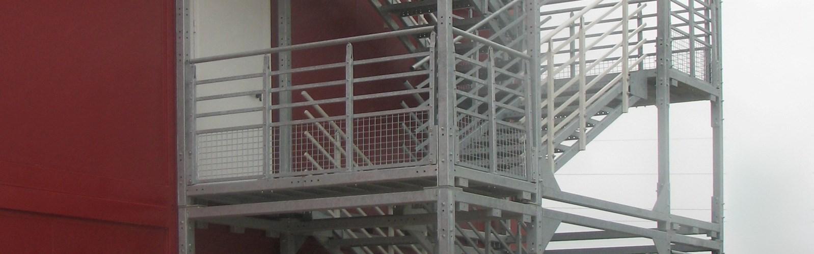 Cage d escalier exterieur escalier de secours with cage d for Cage escalier exterieur