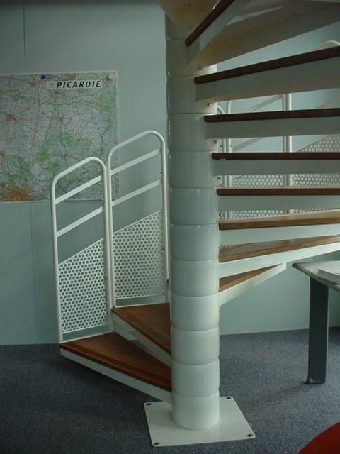 escaliers d 39 int rieur droits ou h lico daux sur mesure. Black Bedroom Furniture Sets. Home Design Ideas